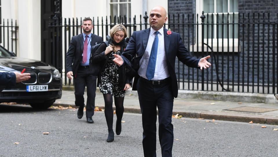 """Britischer Gesundheitsminister Sajid Javid: """"Wir müssen lernen, mit dem Virus zu leben. Es kann nicht nur immer um Corona gehen"""""""