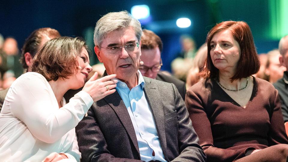 """""""Sie erinnert mich an die Kanzlerin"""": Ex-Siemens-Chef unterstützt Kanzlerschaft von Baerbock"""