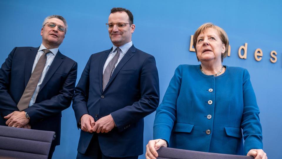 E-Patientenakte: Merkel und Spahn haben den Datenschutz ausgehebelt, doch keiner hat es bemerkt