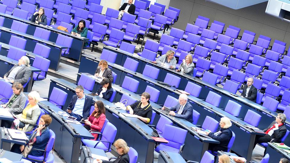 Enthüllung: Massive Sexuelle Übergriffe unter Abgeordneten im Bundestag