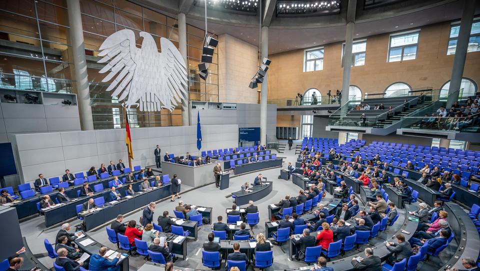 Diese 89 Projekte gegen Rechtsextremismus und Rassismus fördert die Bundesregierung mit einer Milliarde Euro