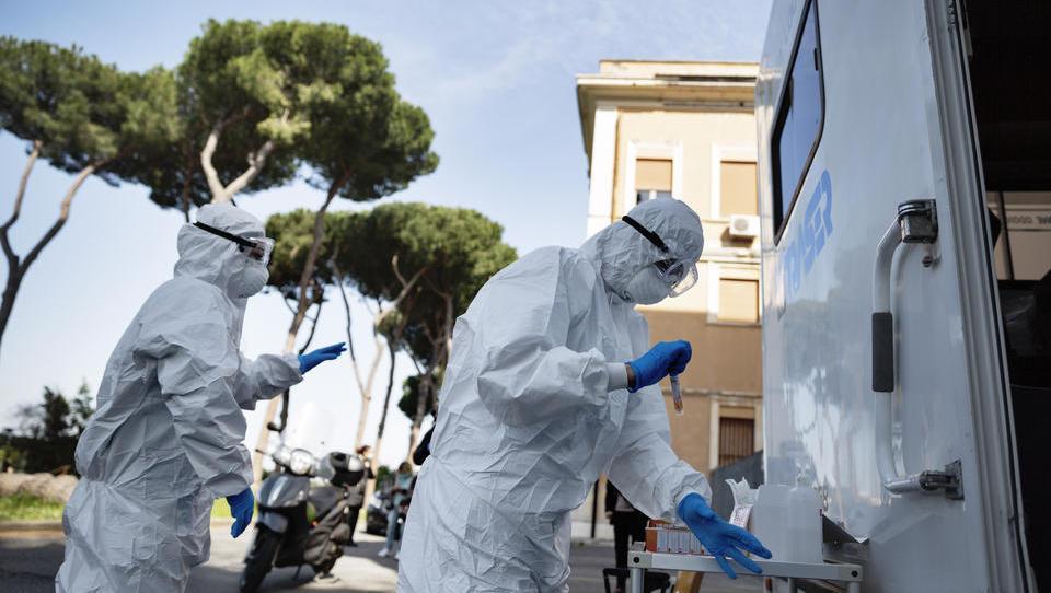 Corona-Mutation soll aus Großbritannien auf Italien übergesprungen sein