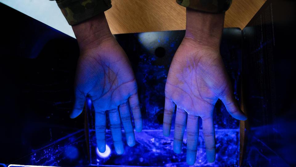 Studie aus Israel: UV-Strahlung tötet 99,9 Prozent der Corona-Viren binnen 30 Sekunden