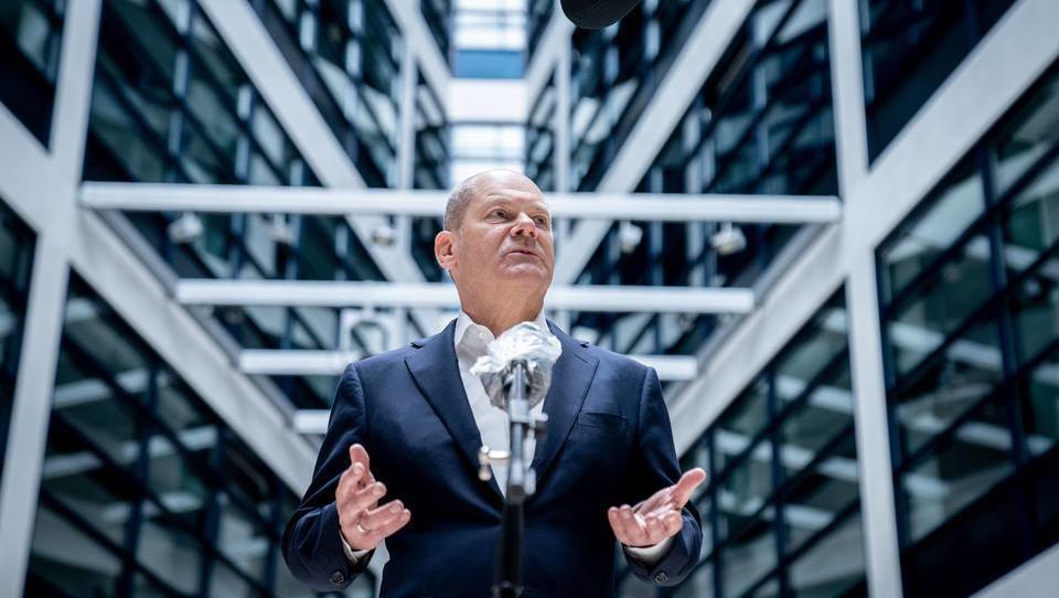 Corona-Ticker - Die Kosten der Lockdown-Politik: Schuldenberg Deutschlands stieg 2020 um hunderte Milliarden Euro