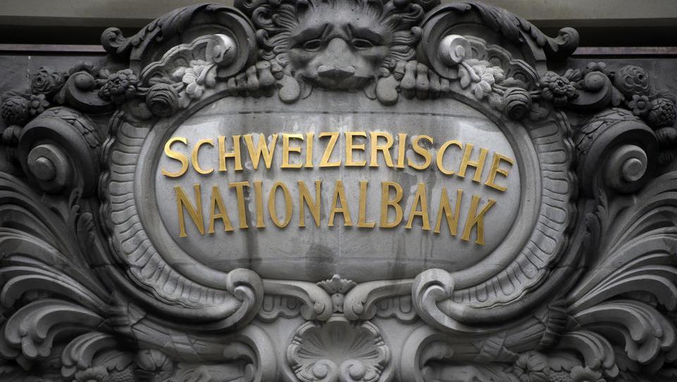Schweizerische Nationalbank bleibt bei rekordtiefen Negativzinsen