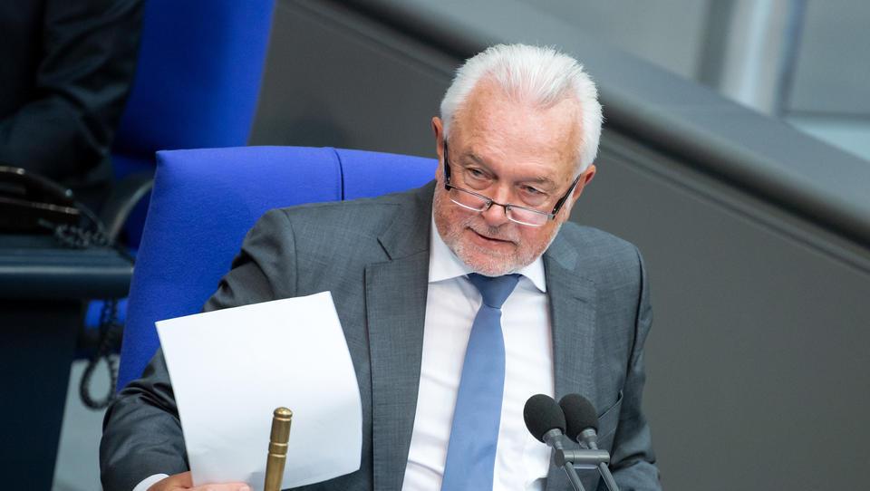 Kubicki fordert von Merkel Vertrauensfrage, um Weg für vorgezogene Neuwahlen zu ebnen