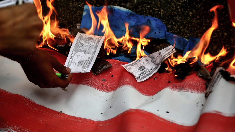 Neues Geldsystem kommt: Der Euro kann den Dollar als Leitwährung nicht ablösen