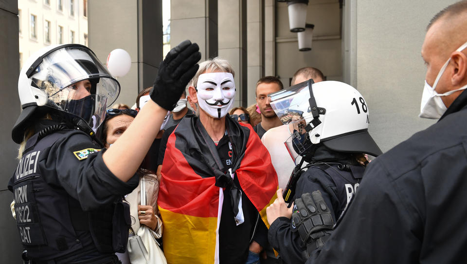 Corona als Vorwand? Das Recht auf Versammlungsfreiheit in Europa ist bedroht
