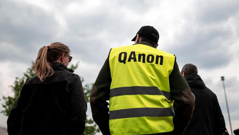 """""""QAnon"""" ist in Deutschland kein Beobachtungsobjekt"""