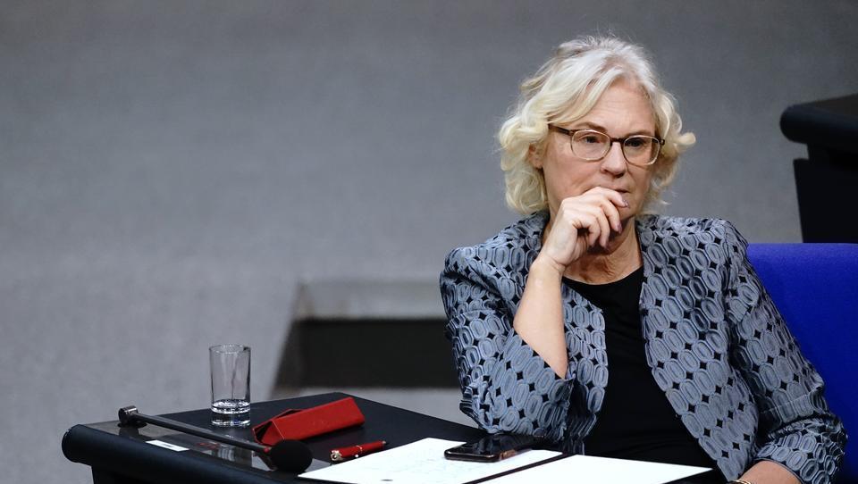 Bundesjustizministerin kündigt verstärkte Zensur und Kontrolle im Internet an