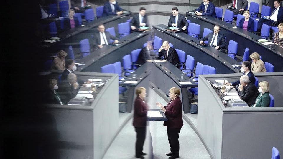 Corona-Chaos: Merkel spricht von