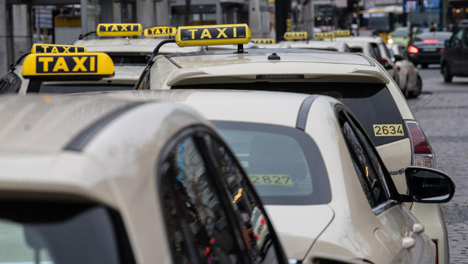 Die deutsche Taxibranche am Abgrund, Uber wird sich freuen