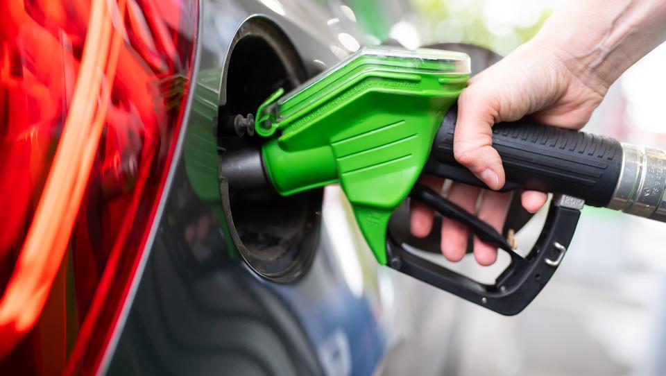 Höhere Renten, CO2-Preis, Teureres Benzin, Kfz-Steuer - Das ändert sich 2021