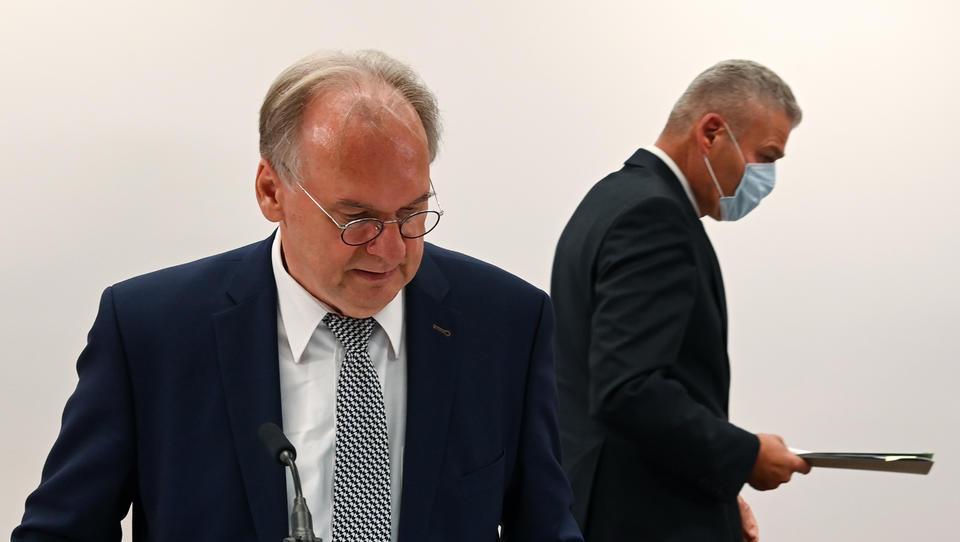 Eskalation in Sachsen-Anhalt: Ministerpräsident Haseloff feuert Innenminister im Streit um Rundfunkgebühren