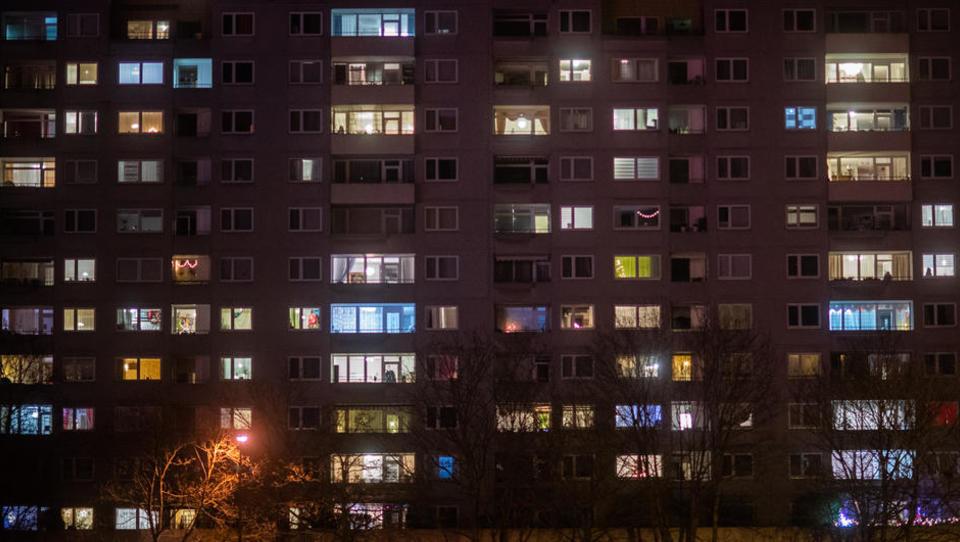 Komische Corona-Alternative zu Feuerwerk: Kölner sollen an Silvester Licht an und aus machen