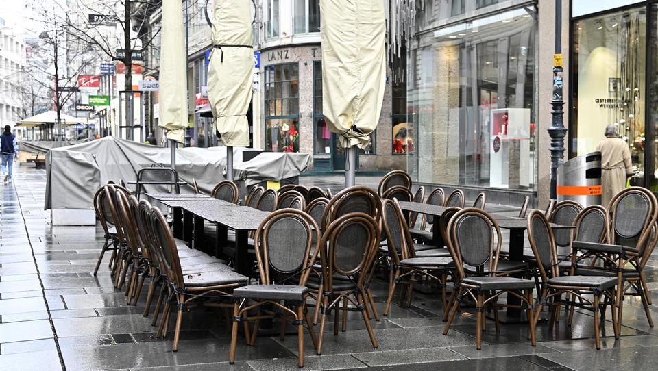 Österreich: Wirtin öffnet Lokal, weil sie und ihre Kinder sonst komplett verarmen