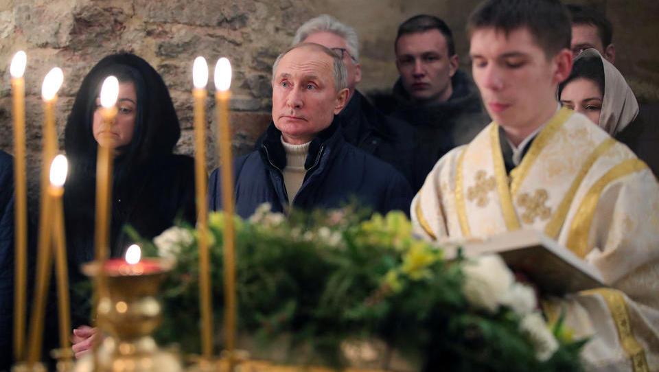 """US-Demokraten nennen Putin und """"Sturm auf das Kapitol"""" in einem Zug"""