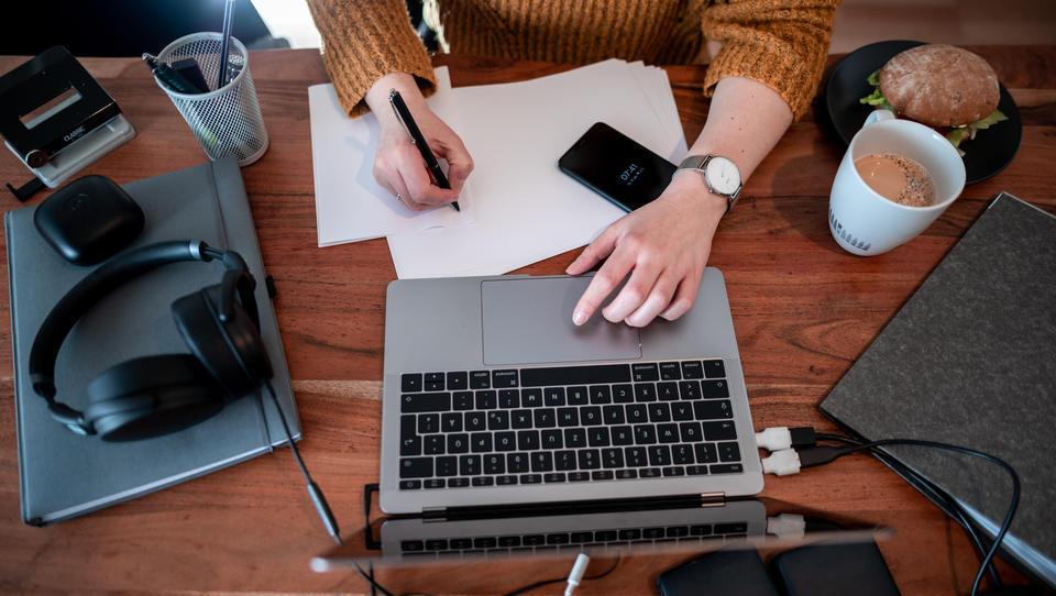 Erste Firmen machen das Homeoffice zur neuen Arbeitsnormalität