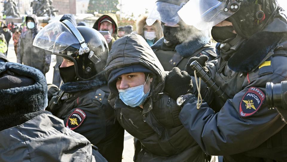 Tagesschau und ZDF kritisieren Polizeigewalt und Druck auf Opposition in Russland