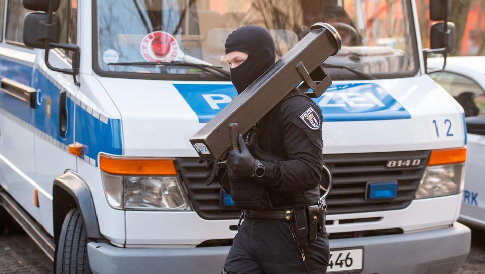 Groß-Razzia gegen Salafisten in deutscher Hauptstadt – Hunderte Polizisten im Einsatz