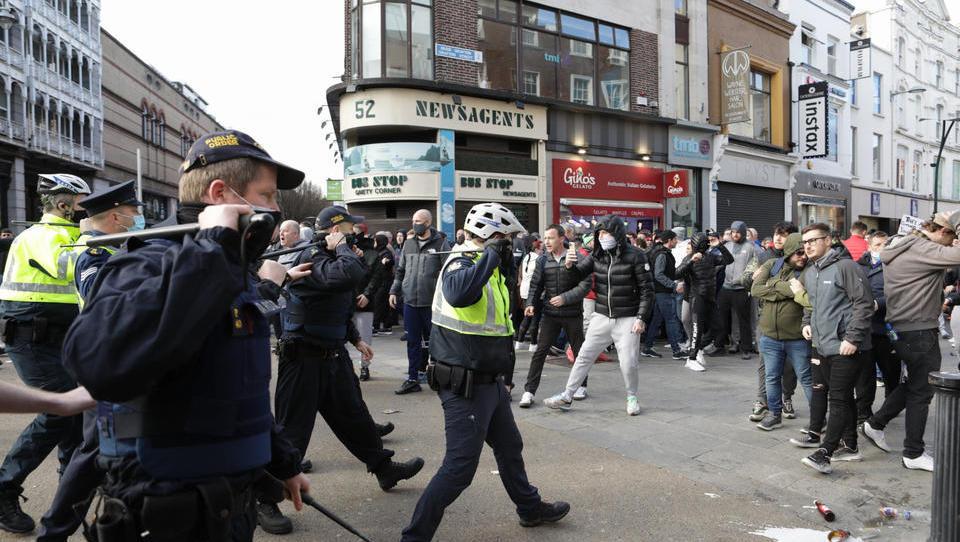 Anti-Lockdown-Proteste in Irland eskalieren – Dominoeffekt in Europa?
