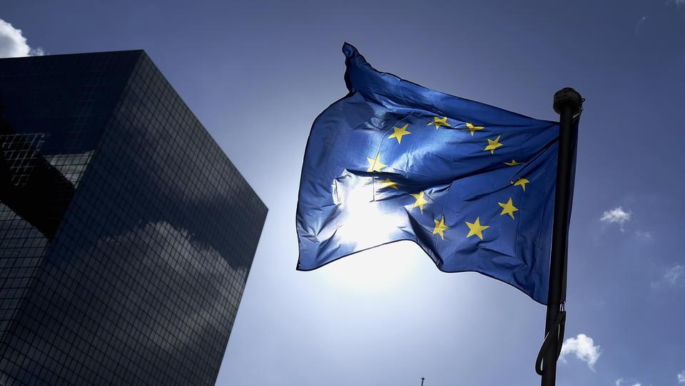 Arbeitslosenquote im Euro-Raum stabil bei 8,3 Prozent