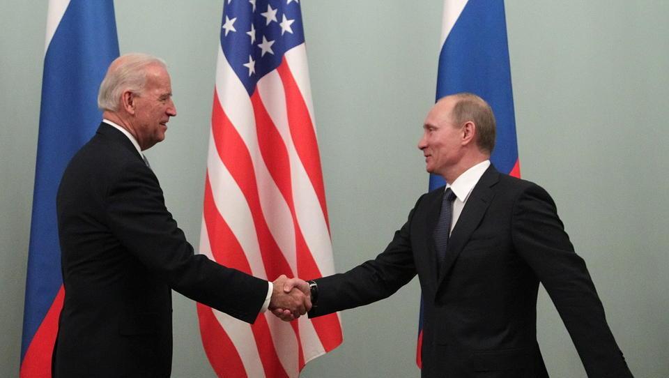 Nach US-Rückzug aus Afghanistan: Putin ist der neue starke Mann in der Region - und kommt Biden mit großzügiger Geste entgegen