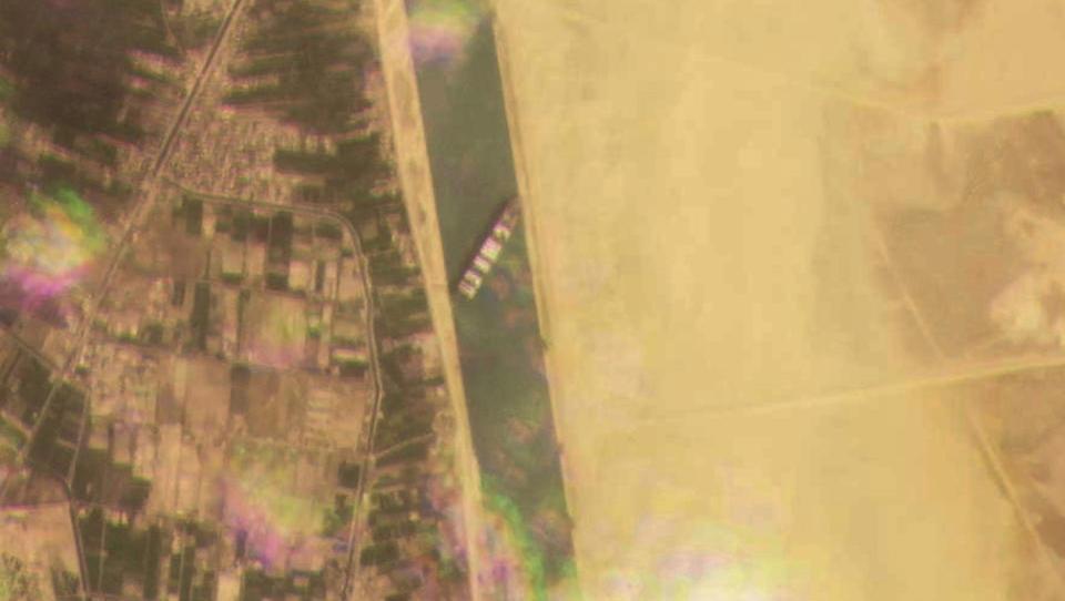 Havarierter Container-Frachter blockiert den Suez-Kanal