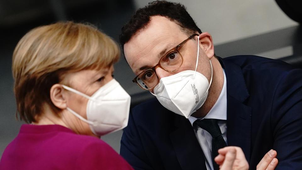 Richter wirft Merkel-Regierung Nichtachtung der Justiz vor