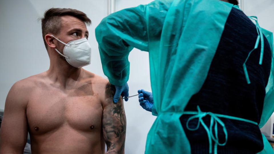 CORONA-TICKER: Zehn Prozent der Bevölkerung sollen im April geimpft werden - Spahn verkauft das als große Leistung