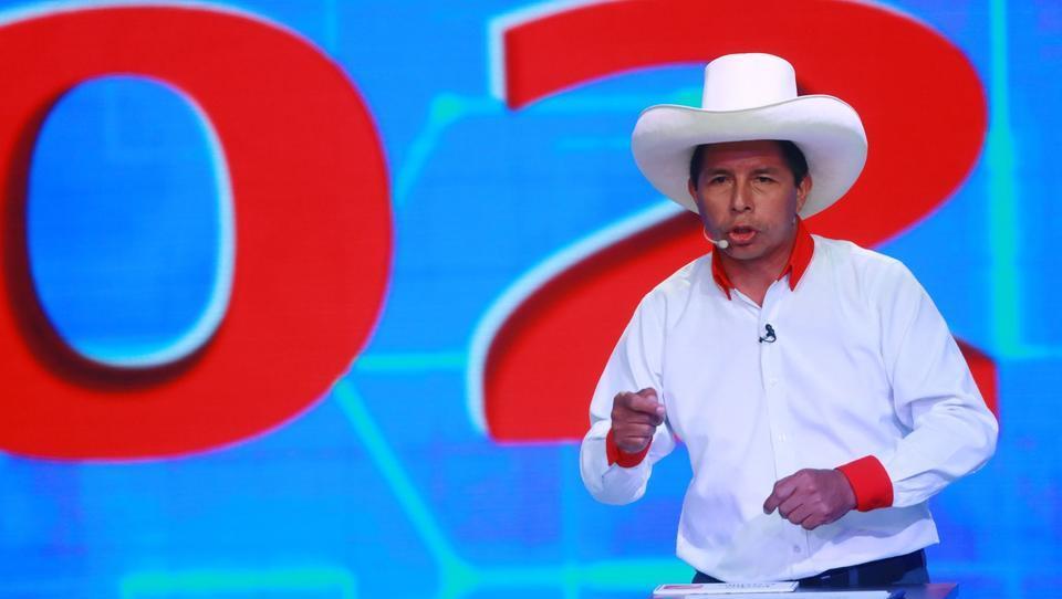 """""""Ohrfeige für die politische Elite"""" - Marxist-Leninist gewinnt Präsidentschaftswahl in Peru"""
