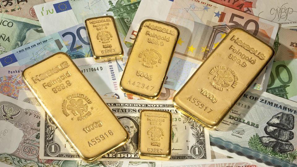 Schnäppchenjagd hat begonnen: Goldpreis sackt zeitweise unter 1.700 US-Dollar