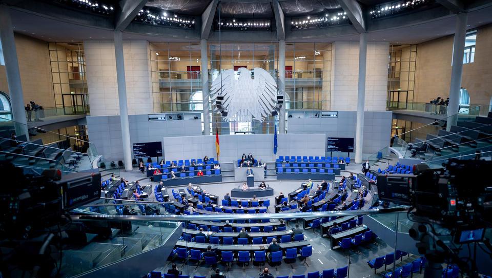 Einmalige Vermögensabgabe durch Super-Reiche könnte dem Bund 310 Milliarden Euro bescheren