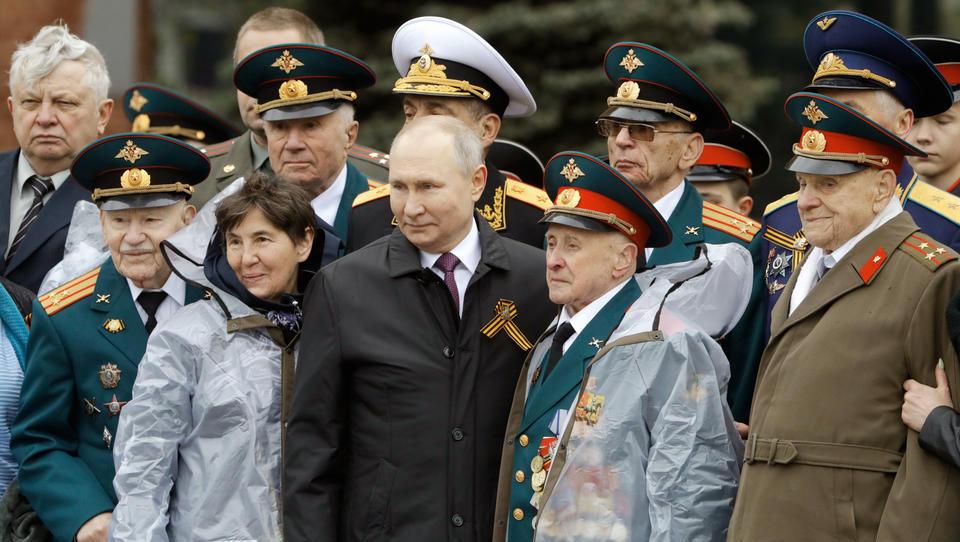 """Putin gedenkt Weltkriegs-Ende: Es gibt keine Vergebung für diejenigen, die """"wieder aggressive Pläne pflegen"""""""
