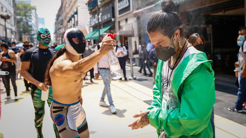 CORONA-TICKER: Mehr als 30 Millionen Mexikaner haben sich infiziert