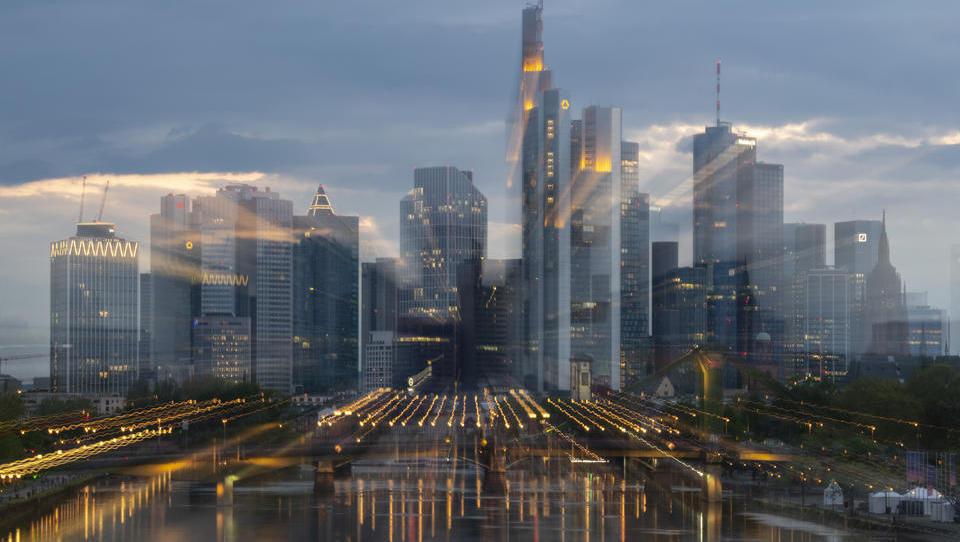 Auch Deutsche Bank macht mit: Großbanken erhöhen die Vergütungen ihrer Investment-Banker um viele Milliarden