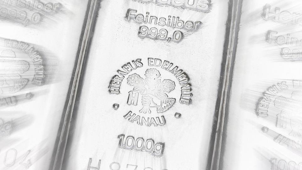 Kleinanleger treiben Silberpreis, Establishment hält mit Futures-Manipulationen dagegen