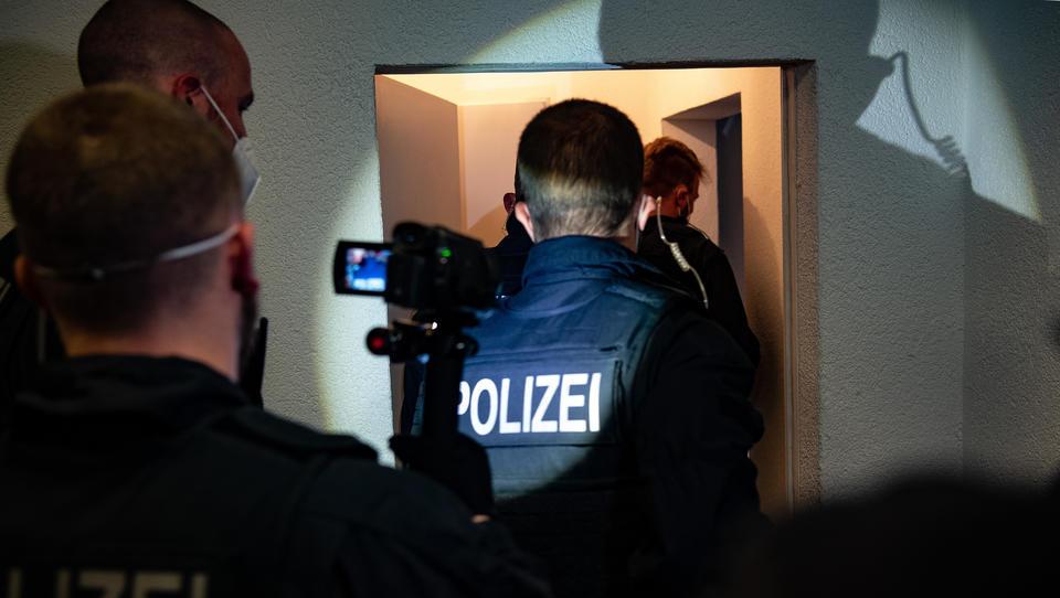 Cyberbunker-Klausel: Bundesregierung will nächtliche Razzien in Wohnungen erlauben