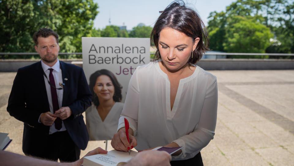 Bericht über Baerbock-Buch: Selbst Passagen über emotionale Erlebnisse sollen abgekupfert sein