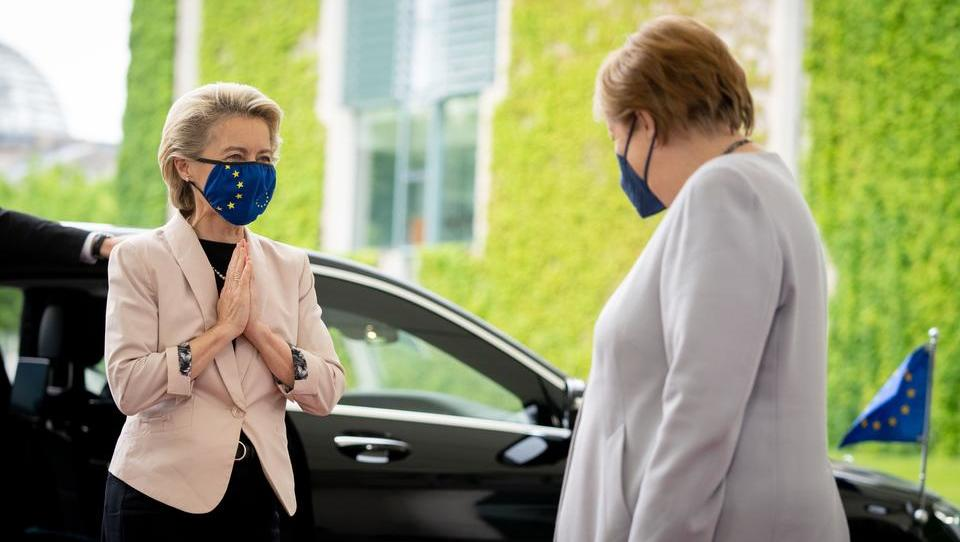 EU-Kommission kündigt Verbot von Verbrennungsmotoren an