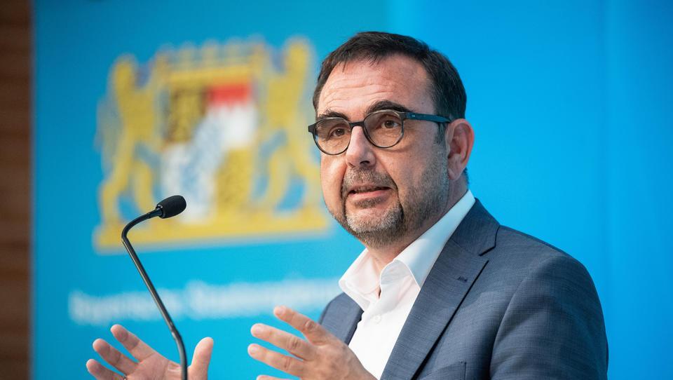 Bayerischer Minister will finanzielle Existenz von Ungeimpften erschweren