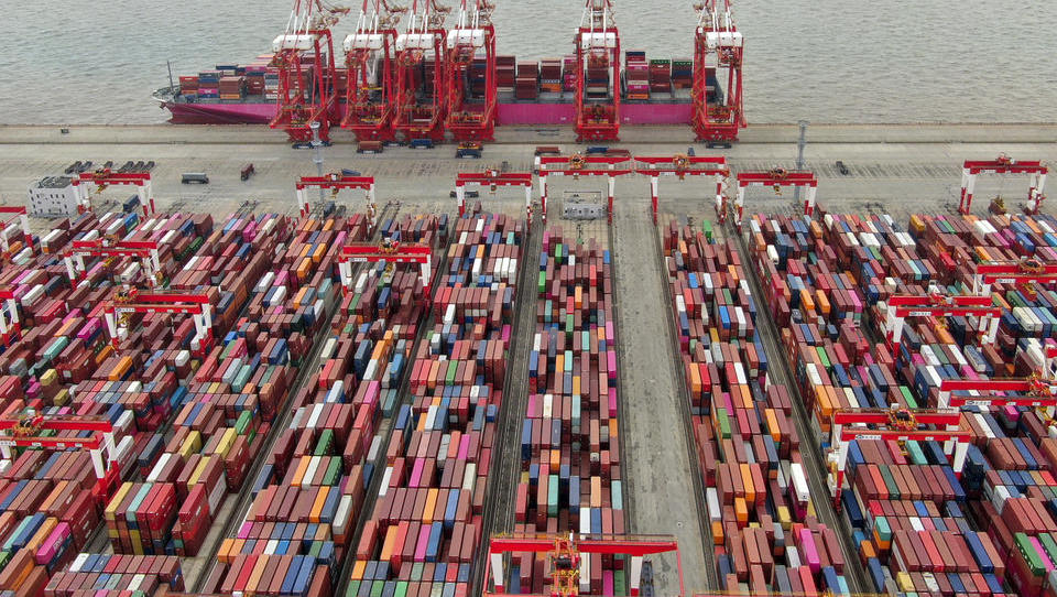 Halbleiter-Kollaps droht: China schließt zweitgrößten Containerhafen des Landes