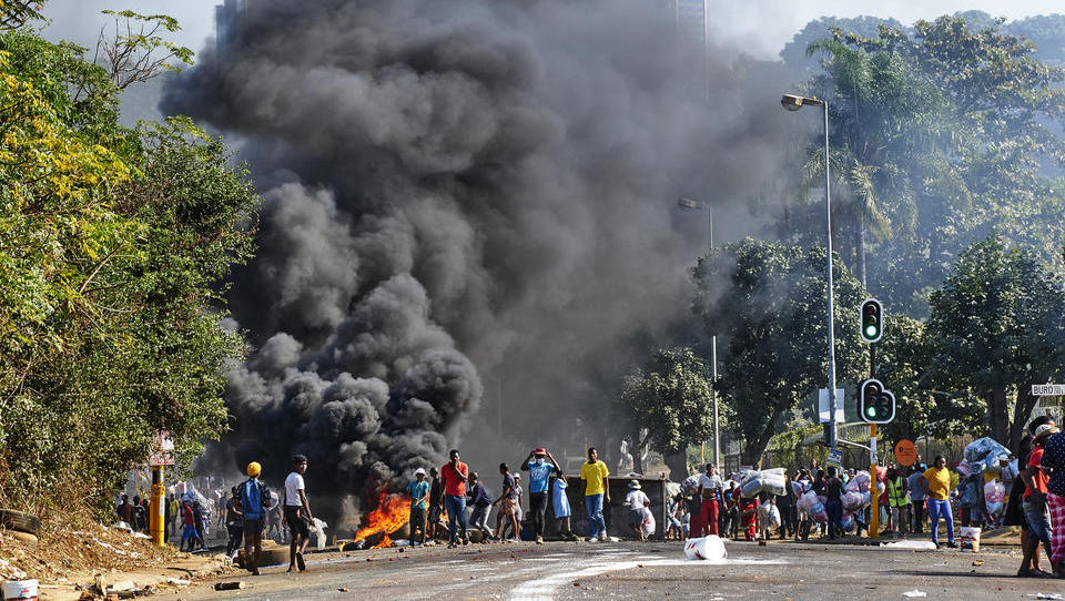Schwere Ausschreitungen in Südafrika halten an