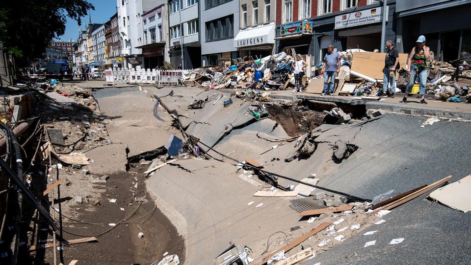 Hochwasserlage entspannt sich etwas - Kritik an Katastrophenschutz
