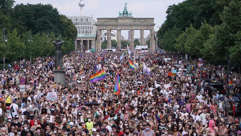 Eine Woche nach CSD-Parade mit 80.000 Teilnehmern - Berlin setzt Demo-Verbote gegen Corona-Politik durch
