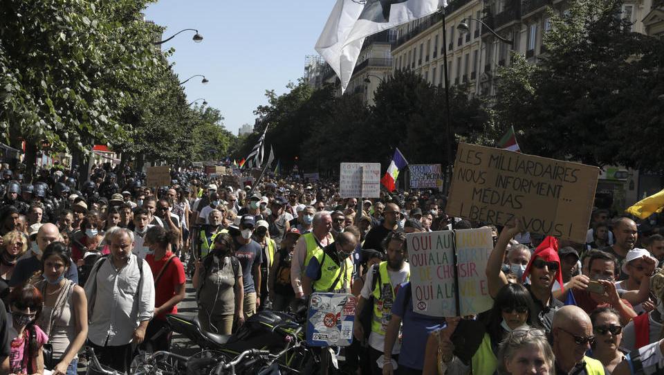 250.000 Menschen: Erneute Massen-Demos gegen Corona-Regeln in Frankreich