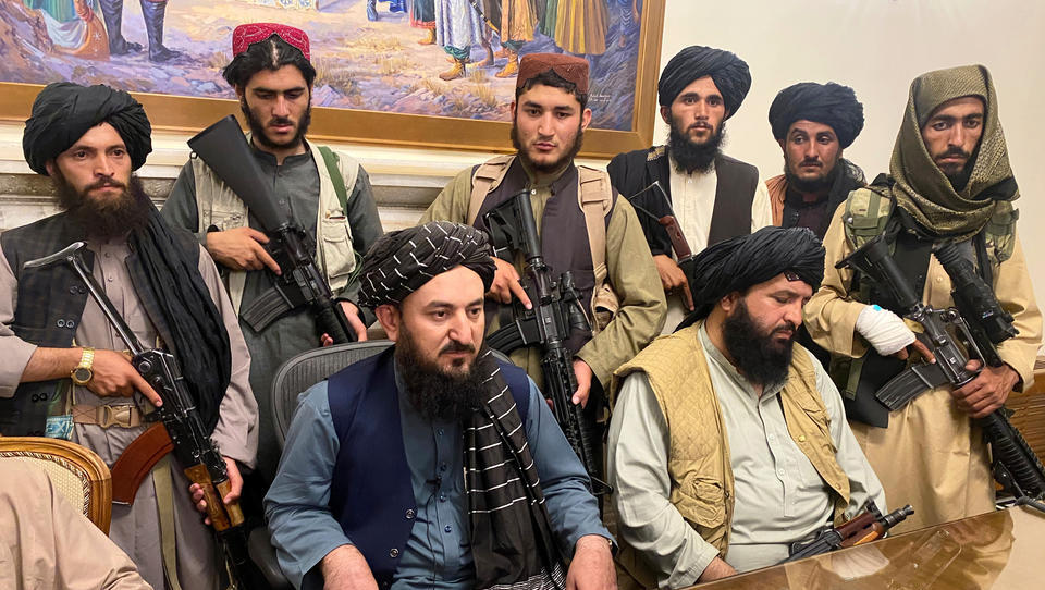 Lagebericht Afghanistan: Taliban übernehmen die Macht, ausländische Diplomaten flüchten aus dem Land