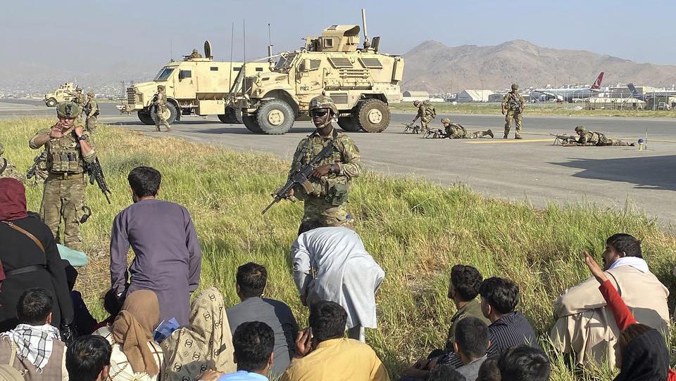 Bundeswehr bringt Spezialeinheiten nach Kabul, fliegt sieben Personen aus