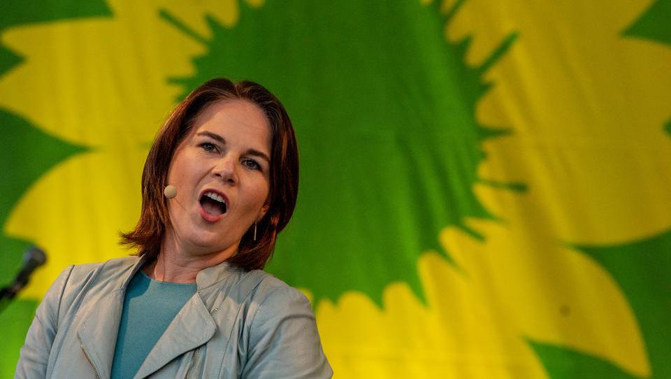 Baerbock will ungeimpften Bürgern verstärkt Freiheitsrechte vorenthalten
