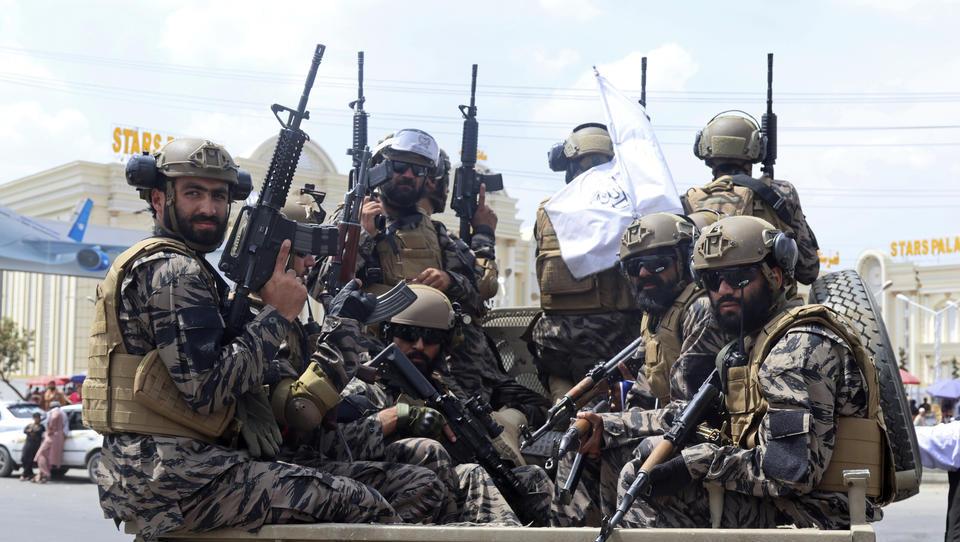 """Hochgerüstet, rückschrittlich und hochgefährlich: Das sind die """"neuen"""" Taliban"""
